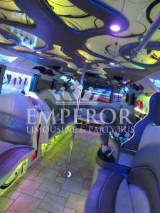 Pearl-Party-Bus-06-1